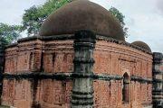 ৫০০ বছর ধরে দাঁড়িয়ে আছে দৃষ্টিনন্দন সুরা মসজিদ