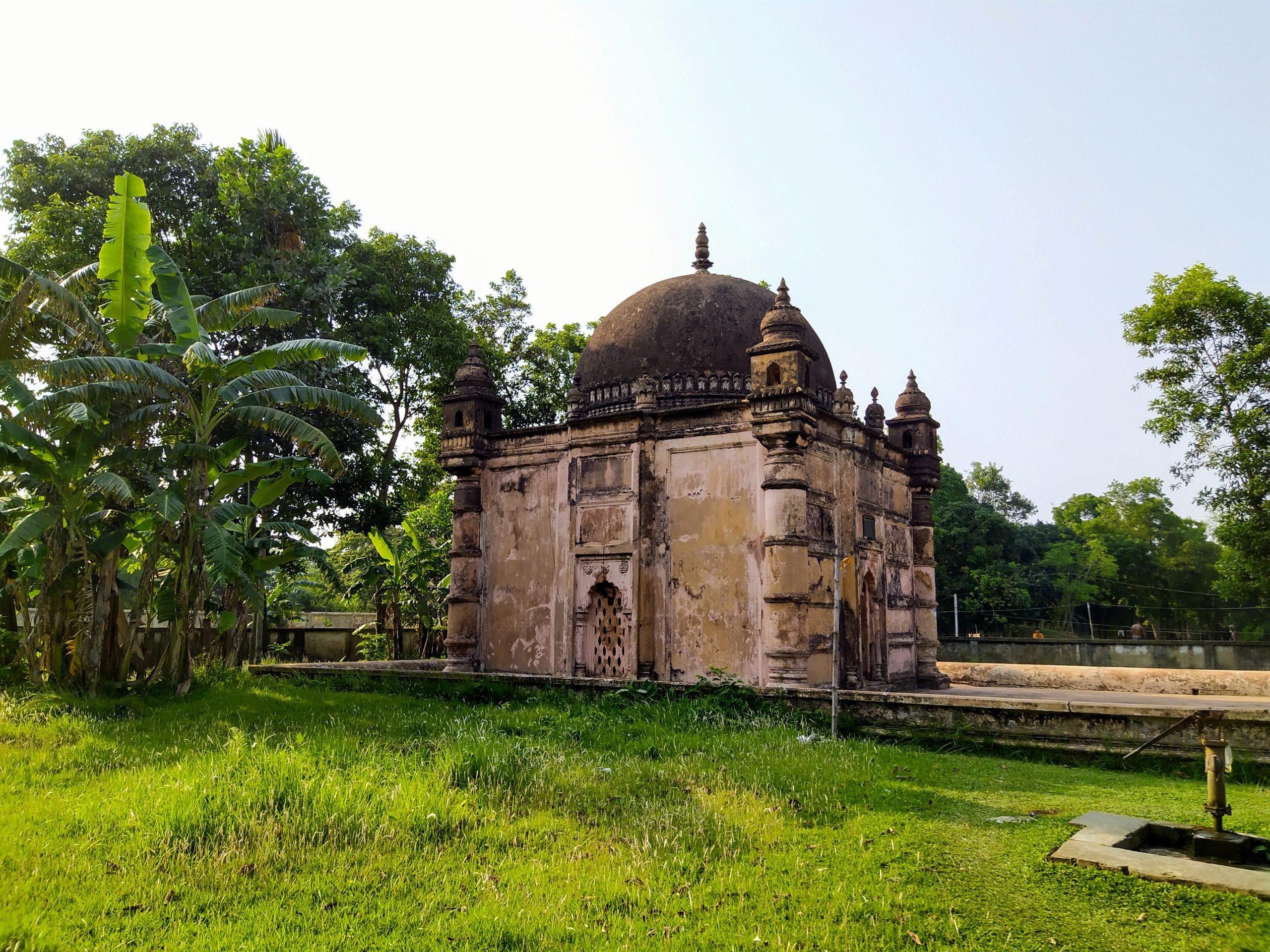 ইতিহাস-ঐতিহ্য: ৬০০ বছরের পুরনো ঘাঘড়া খান বাড়ি মসজিদ